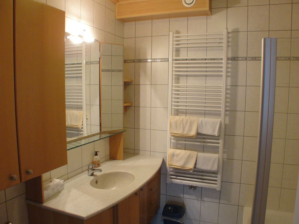 k-apartment-422-2013-07-04-11