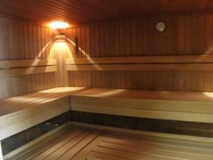 k-2015-07-09 grein sauna (5) Rand